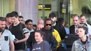 'Lewis Hamilton mobbed as he arrives in Melbourne for Albert Park Grand Prix' #15MOF