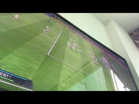 Play Fifa online with friends on PS4