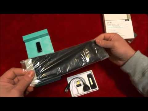 Fitbit One Unboxing-Wireless Activity And Sleep Tracker (Clip-On)