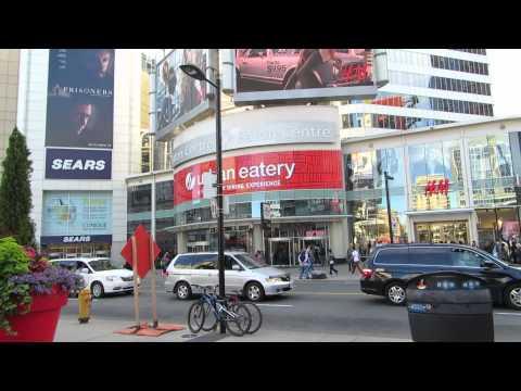 Downtown Toronto / Eaton Centre