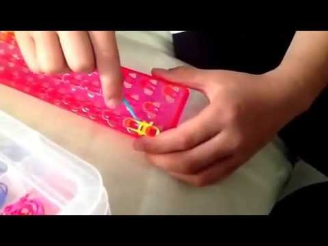 How to make loom bands with the fish tail patten