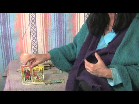 How to Read the Rider Waite Tarot Cards