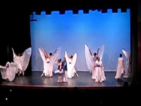 Coreografia com véu wings - Cia Fé em Ação