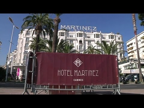 Le Qatar achète les hôtels de luxe français