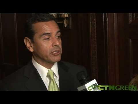 CTNgreen with Mayor Antonio Villaraigosa - Los Angeles LED Streetlights