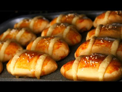 Super Soft and Moist Chinese Bakery Cocktail Buns 雞尾包 | Homemade Milk Bread Recipe