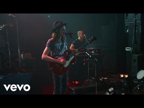 James Bay - Hold Back The River (Vevo LIFT Live)