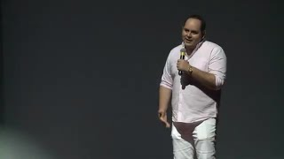 Mi familia como la tuya   Alex Maza   TEDxGarzaGarcia