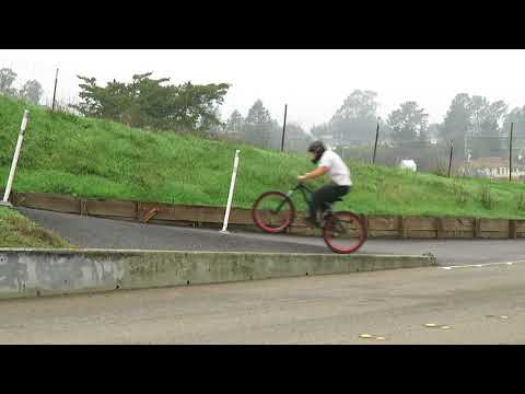 MTB STREET FREERIDE SESSION - POLICE and LEARNING 270 (kinda), NOSE PRESS, AND FOOTPLANTS
