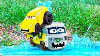 NEW Disney CARS 3 Movie Toys SPLASH Racers Cruz Ramirez & Arvy Pool JUMPS Water FUN Car Toys Movie