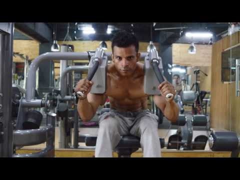 How to do Machine Crunches - Six Pack Abs Exercise