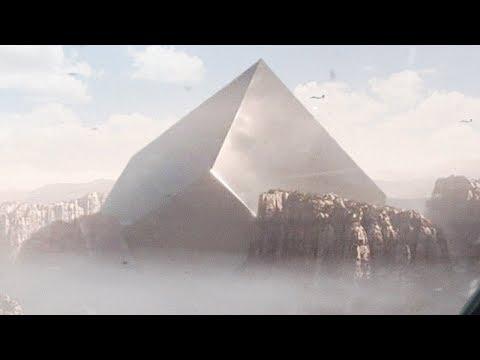 Huge Monolith with Light Orb UFO in ARIZONA - USA !!! May 2018