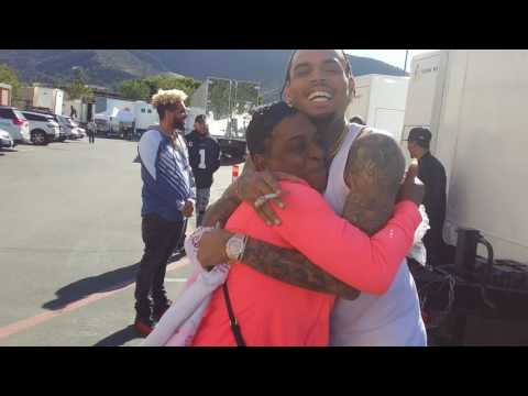 Chris Brown signs Auntie Fee's Apron