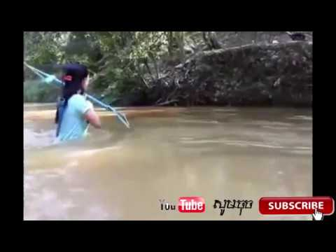 Amazing Khmer Girl make bow Using PVC Pipe Compound to hunting fish