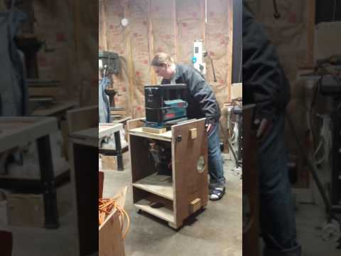 Flip top bench for chop saw and planner