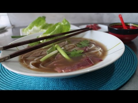 How to make Vietnamese Pho - beef and noodle soup