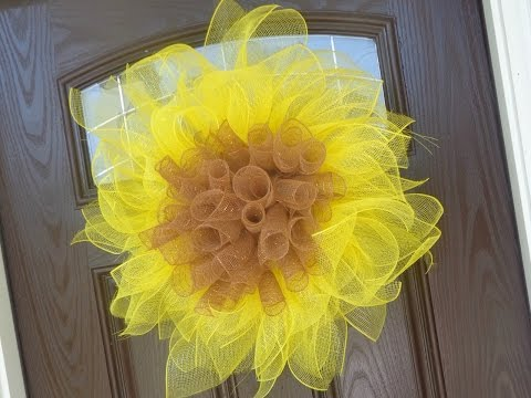 Easy Deco/Geo Mesh Sunflower Wreath Tutorial