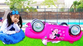 Download Emma & Jannie Pretend Play w Minnie Mouse Ride On Car Toy Video