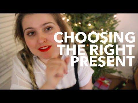 Choosing the Right Present | Vlogmas Day 14