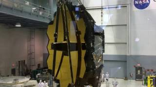 Time-lapse: James Webb Space Telescope Lift and Rotation