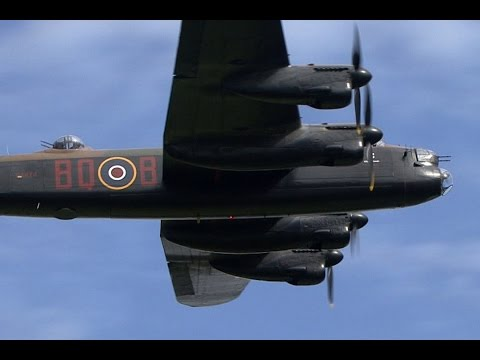Avro Lancaster Awesome Sound !!!