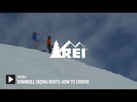 Downhill Skiing Boots: How to Choose
