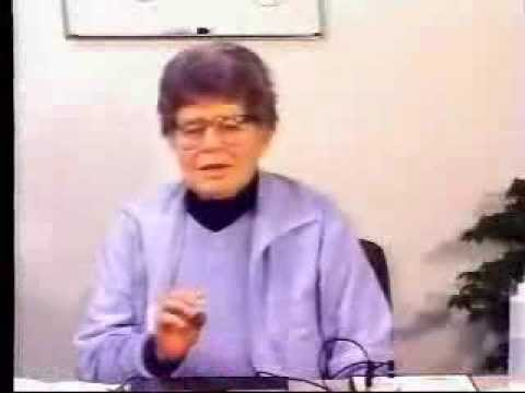 Dr. Hulda Clark demonstrates a Syncrometer