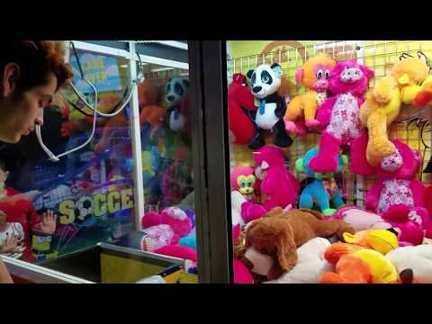 🎶Everybody Was Crane Game Fighting... Those Claws Were Fast As Lightning...🎶