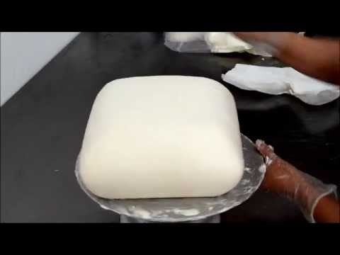 How to frost a cake with butter cream icing