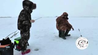 Один день зимней рыбалки молодого рыбака  Мензелинск  водозабор  Темяшово X264