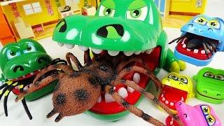 악어 가족의 무서움을 보여주마!! 대왕거미 다 덤벼!! - 두두팝토이 (Crocodile Family VS Giant Spider)