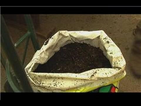 Organic Fertilizing : Making Organic Compost