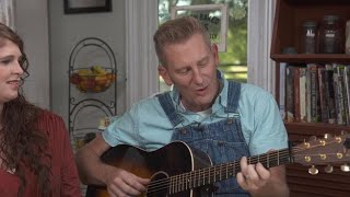 """Rory Feek sings """"Someone You Used to Know"""""""