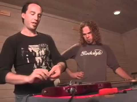 How to change strings on a floyd rose type guitar