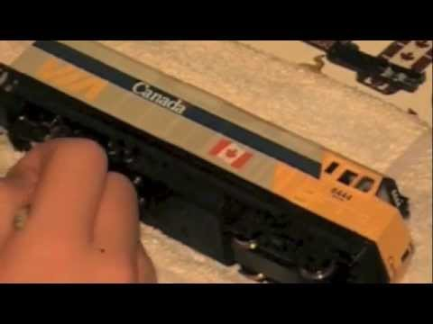 How to Clean Your Walthers Trainline F40PH-2's Wheel's Part 1 (HO Scale)
