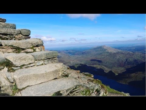 Wales Travel Vlog | Trekking Up Snowdon Mountain | Snowdonia National Park | The Great Orme