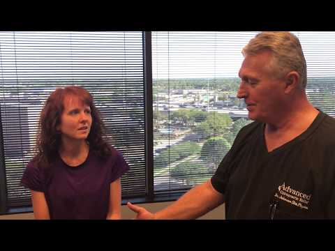 Minneapolis MN Woman Gets Adjusted At Advanced Chiropractic Relief