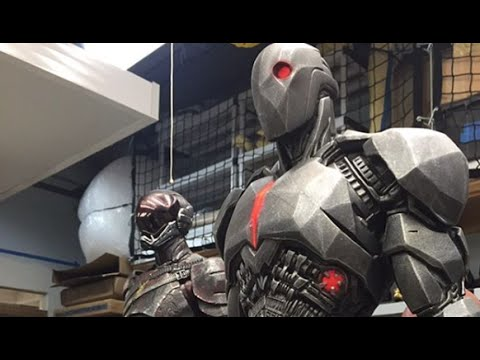 Flash and Cyborg Costumes from Batman v Superman Nightmare Sequence