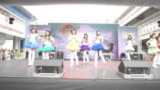 ติชมได้ที่ :: https://www.facebook.com/sutekiwings  - Cast -  LIN as Kousaka Honoka AIM as Minami Kotori Pan as Sonoda Umi MIni as Nishikino Maki Pim as Hoshizora Rin KawFang as Toujou Nozomi Gift as Ayase Eri Nammon as Koizumi Hanayo  และแล้วก็มาถึงไลน์ ที่ 2 ของพวกเรา Suteki Wings ครับ สถานที่ : หน้าลานอเนกประสงค์ MBK