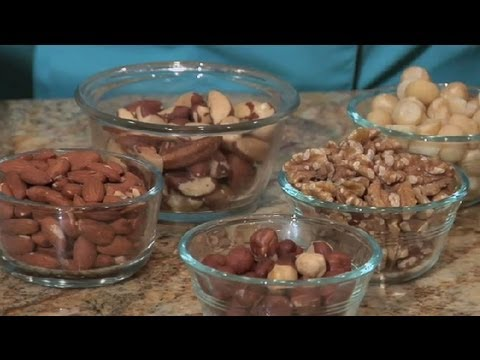 How to Grind Nuts in a Food Processor : Unique Recipes