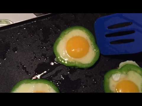 Green Bell Pepper Egg in a Hole