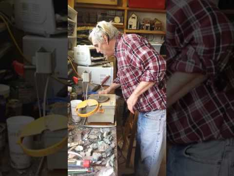 Aspen Turquoise Artist David Hight shows how polished stones are made