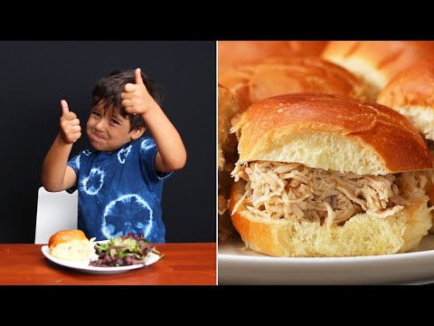 Slow Cooker Shredded Chicken Sliders