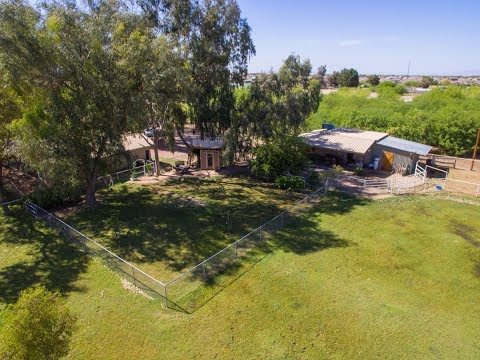 Chandler Real Estate - 2.5 Acres with House!