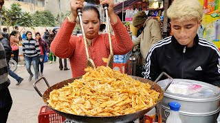 Hardworking Aunty Selling Pasta on Street | Desi Style Pasta | Indian Street Food
