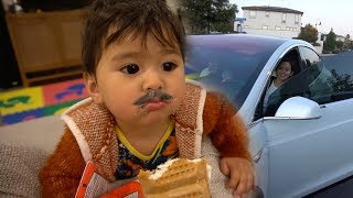 Download Taika Is Helping Me With My Diet! Video