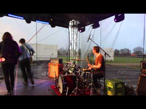 Awesome live drumming