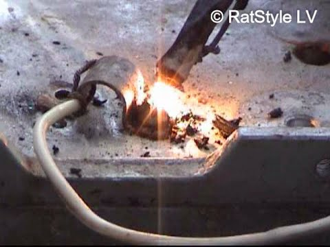 How to remove rusty bolt from aluminium plate