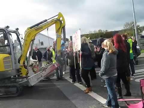 Irish Water meter protest in Cuirt An Rì Clonmel 07/11/2014