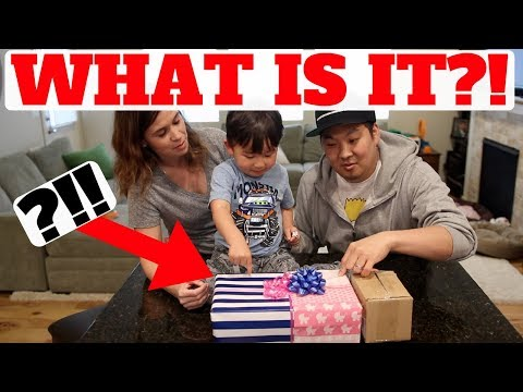 'GENDER REVEAL' SNEAKER UNBOXING! WE ARE HAVING A...